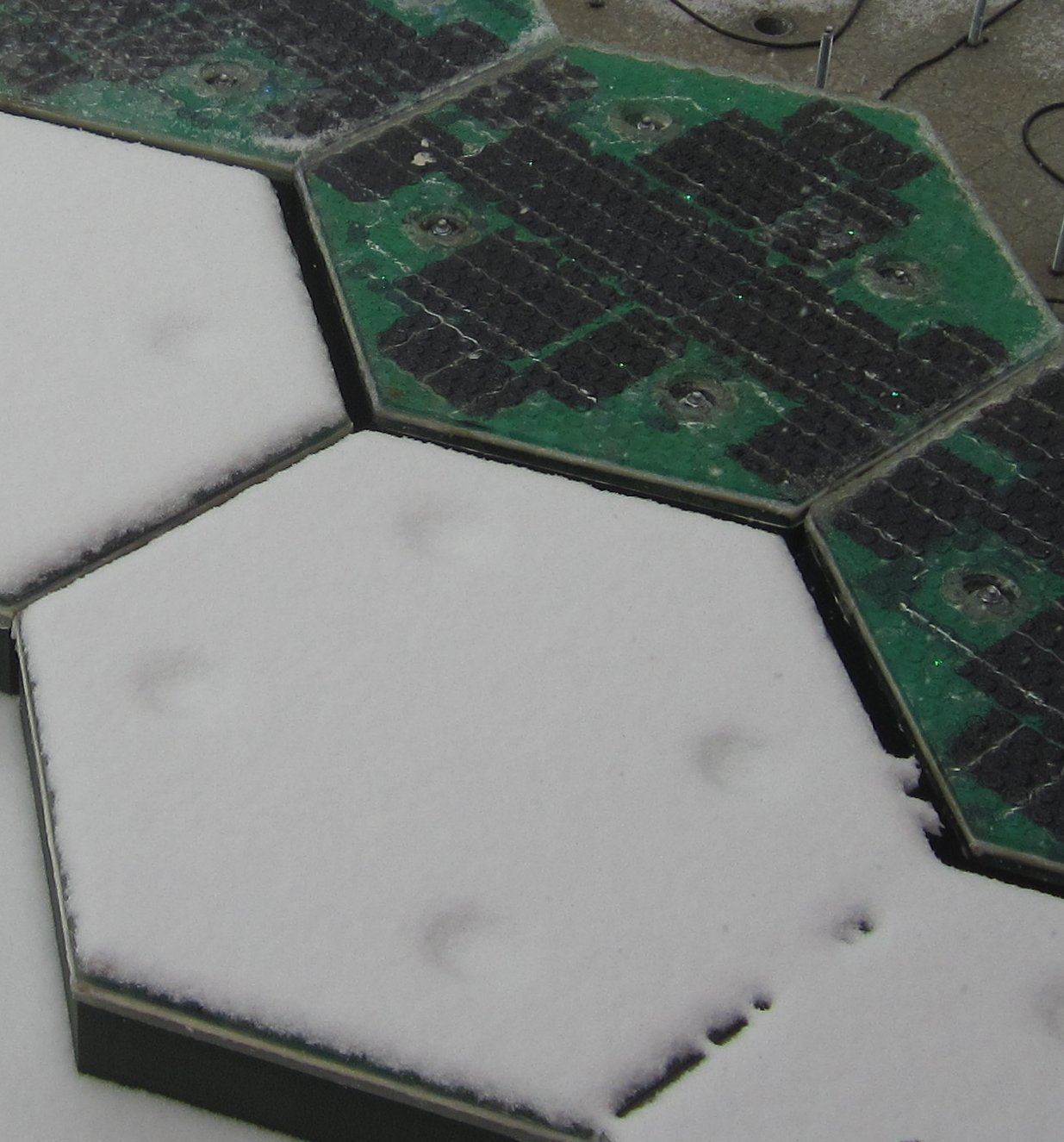 solar-panel-snow-melting